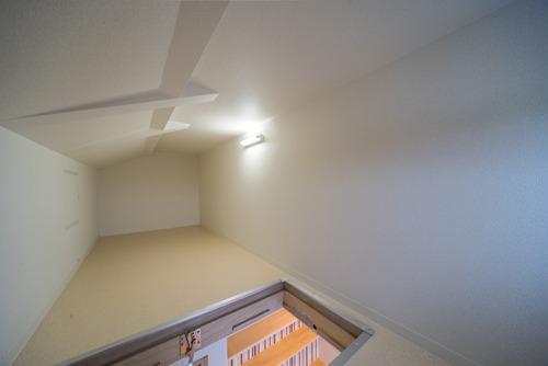 出来る限り有効的に収納スペースを確保しよう!と天井収納庫