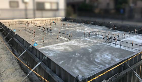 ベースコンクリートの完成