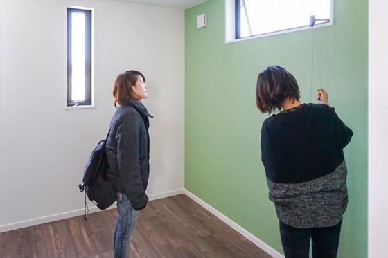 子供部屋の窓は安全性と家具の配置を考えて種別と位置を決定