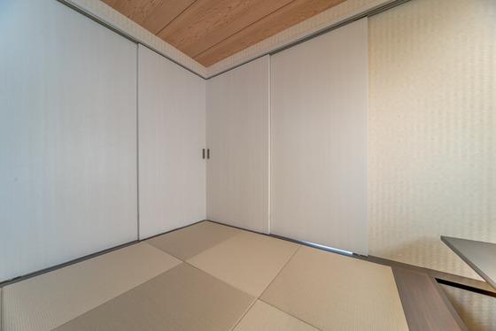 扉を閉めると独立した空間として利用できます