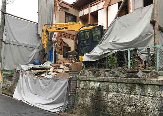 、家の解体から工事がスタート