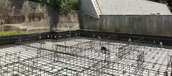 コンクリート打設前の基礎。