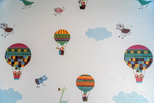 バルーン模様の壁紙