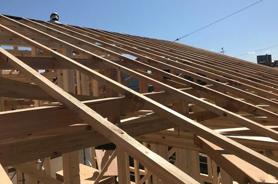 最後に屋根を組んでいきます