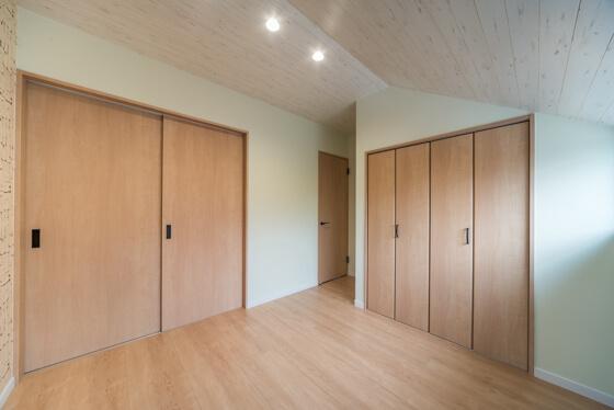 扉を閉めるとこのようにそれぞれプライベートなお部屋としても活用できます