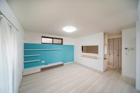 無添加住宅のしっくいは、「調湿効果」「耐火性」の他にも、インフルエンザウイルスを99%不活性化させる抗菌性能や、赤外線を反射するので、暖まりやすく冷めにくい家になるなどの効果もあります