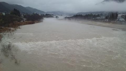 付知川若宮大橋上流の風景