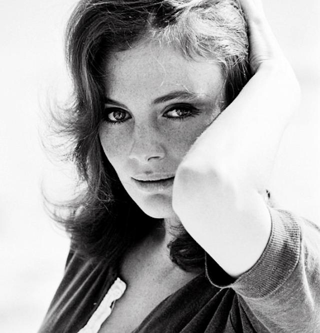 Jacqueline Bisset-Pug (5)