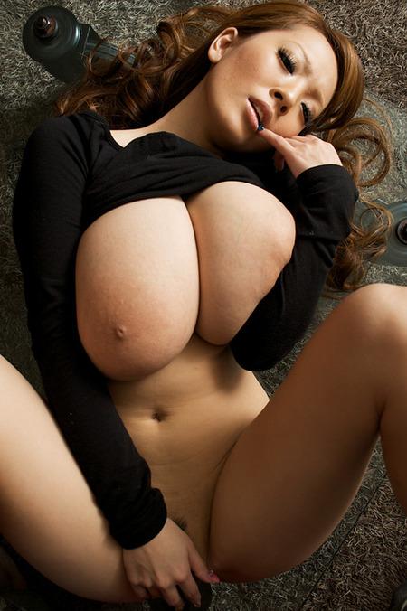 【巨乳】エロいだけでなく彼女の爆乳にもどっきり251