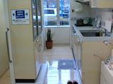タカラ食器棚との距離を変えられる