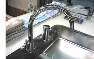 コンテンポラリー水栓