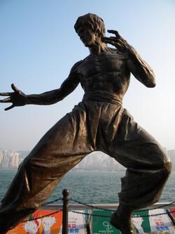 ブルース・リー銅像 (2)