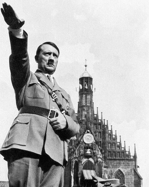 ヒトラーアオリアングル