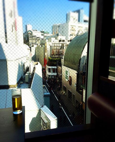 おだいどこ渋谷店_窓側の席