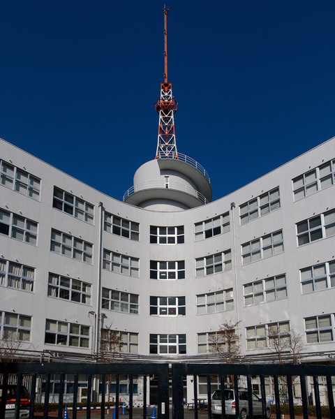 Tokai_University_Yoyogi_Building_2
