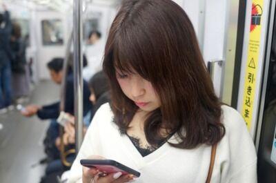 電車通勤中に利用しているスマホアプリは? 3位「Yahoo!」 2位「Instagram」 1位