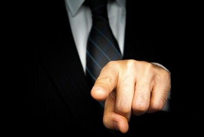 トランス女性「上司から執拗に『くん付け』された」 うつ病発症で労災申請