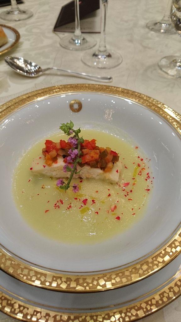 真鯛と小豆島オリーブオイルの葱とジャガイモのヴルテール。
