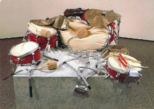claes oldenburg giant soft drum set 1967