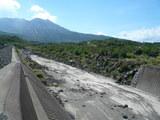 溶岩リバー