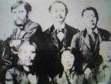 大久保利通(前左)と村田新八(後左)と大山巌(後右)