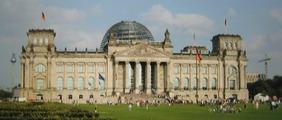 ドイツ連邦議会議事堂 修復工事(1999年ノーマン・フォスター設計)