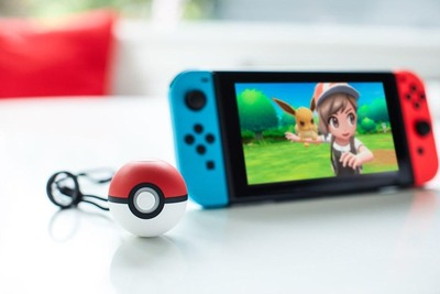pokemon-lets-go-eevee-and-poke-ball-plus