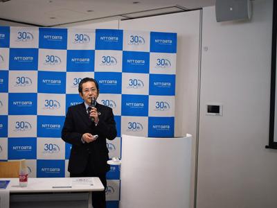 NTTデータ、AI技術者らに最大3000万円