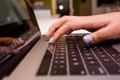 apple-macbook-pro-15-inch-2017-18