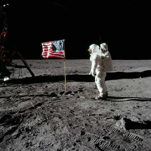 moon-landing-62879_1920