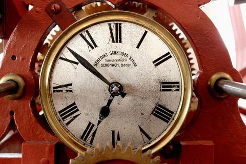 clock-tower-190677_1920