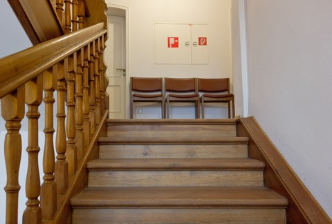 staircase-550601_1920