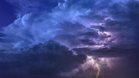 thunderstorm-3441687_1920