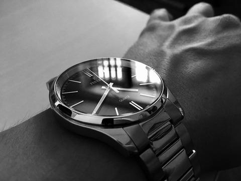 wristwatch-2740369_1920