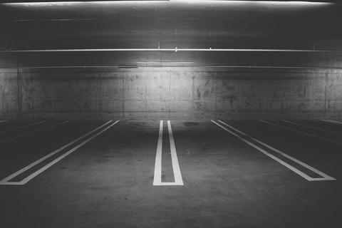 parking-deck-438415_1920
