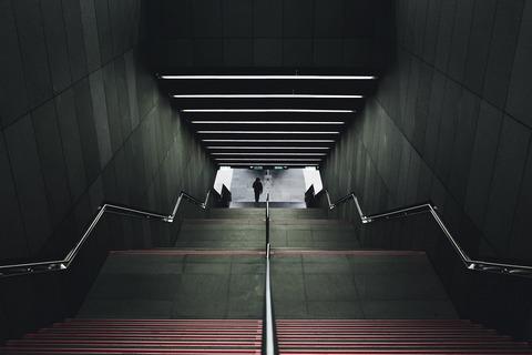 stairwell-918507_1920