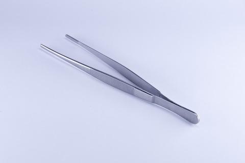 tweezers-2671515_1920