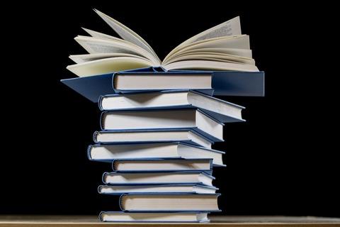 book-2852903_1920