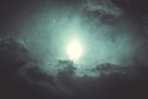 sky-699697_1920