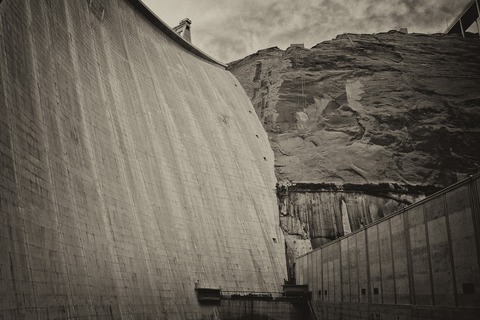 glen-canyon-dam-1843648_1920