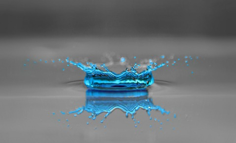 drop-of-water-597109_1920