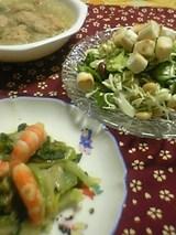 チンゲンサイとエビの炒め物 お麩のシーザーサラダ