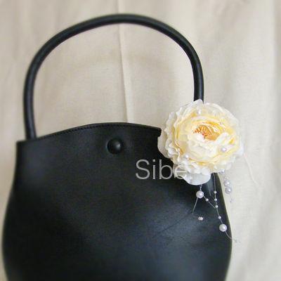 黒ハンドバッグ