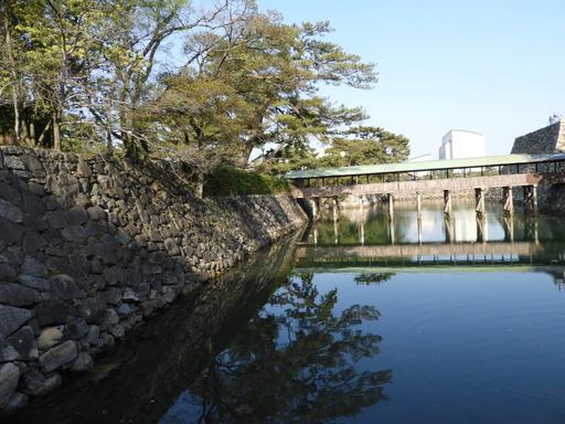 四国 127高松築港駅から高松城内堀