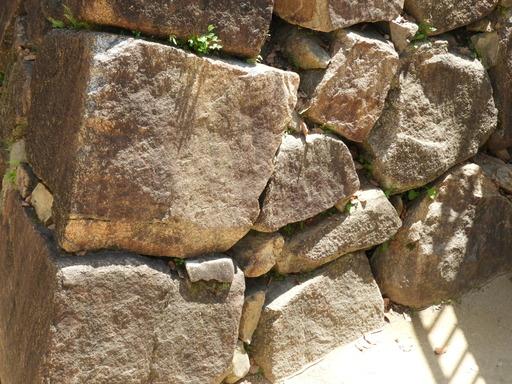四国 083 築城時の石垣