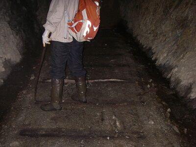 IMGP5462呉生楽トンネル内枕木