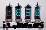 人気の蛍光表示管時計キット