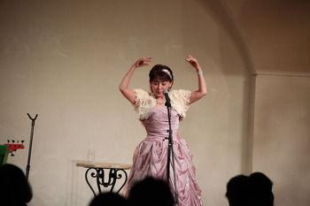 プラザピンクのドレス1
