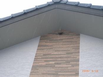 新築の家にツバメが新築(笑)