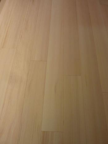 もみの木の床